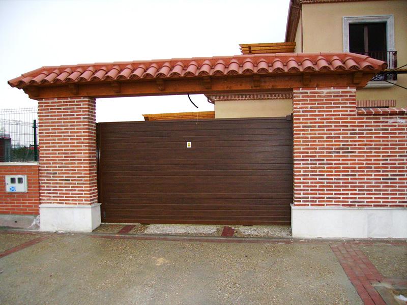 Carpinter a met lica puertas caren for Tipos de garajes