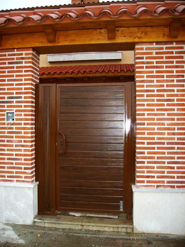 3 residencial particular puertas caren - Puertas para jardin de aluminio ...
