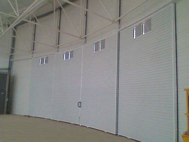 Puertas correderas curvas puertas caren for Puertas correderas curvas